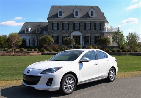 2013 mazda 3i grand touring class features for