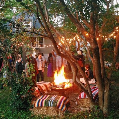 Bohemian Backyard by Best 25 Backyard Bonfire Ideas On