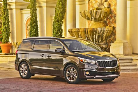 kia sedona safety ratings 2017 kia sedona minivan earns top safety from iihs