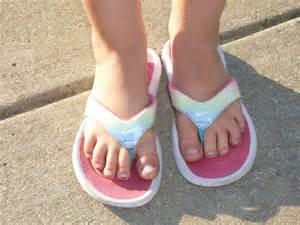 Six Foot Bathtub Girls Feet Little Images Usseek Com
