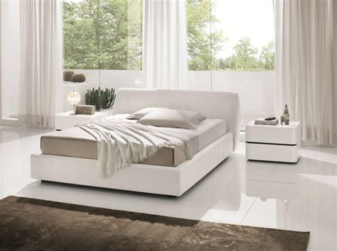 Plain White Bedroom Furniture by Keramikfliesen Als Bodenbelag F 252 Rs Schlafzimmer