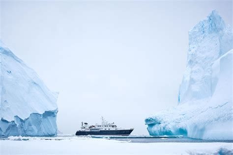 Icebergs dining