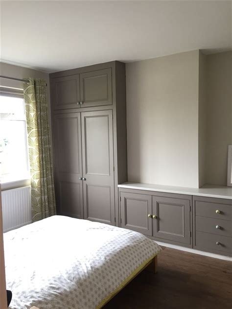 Grey Fitted Wardrobes by 1000 Ideas About Grey Fitted Wardrobes On