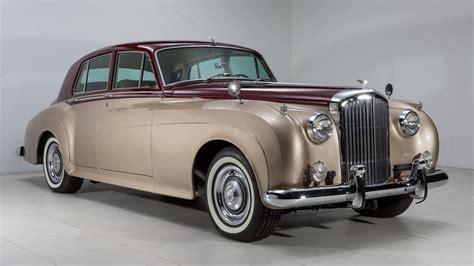 luxury limousine vintage Bentley Rolls Royce Classic