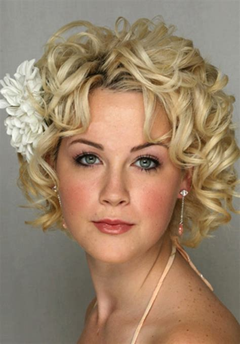 best haircuts curly hair round face 25 best curly short hairstyles for round faces fave