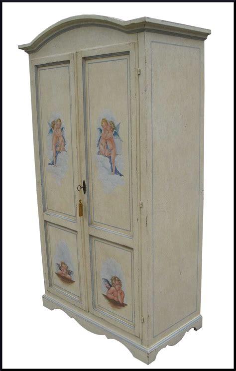 armadi dipinti armadio classico decorato con dipinti a mano la commode