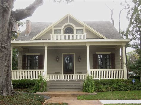Gable Style House The Other Houston Bungalow Roofs Eaves Gables Trim