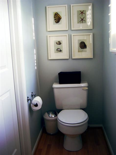 Creative Ideas For Decorating A Bathroom | small bathroom decorating ideas dgmagnets com
