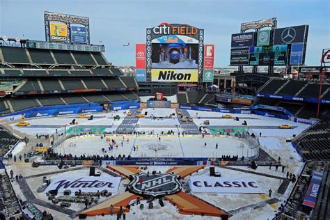 2018 nhl winter classic rangers vs sabres photos