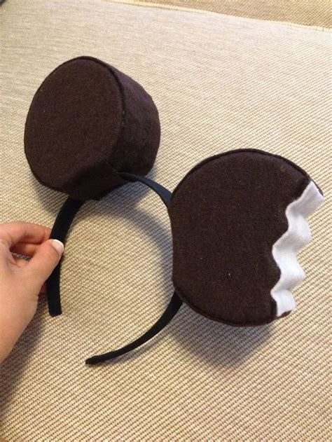 How To Make Mickey Mouse Ears With Construction Paper - 25 unique mickey ears ideas on mickey ears