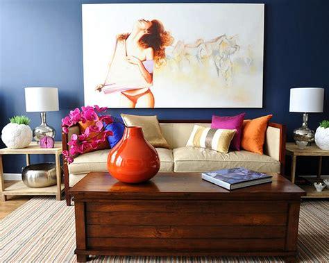 warna cat ruang tamu  cantik biru dongker desain