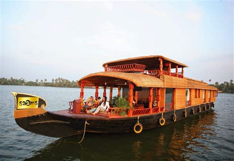 luxury house boat saams luxury houseboat kerala lowest rates offers