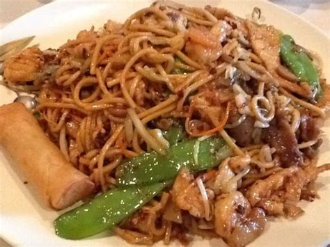 house chow mein mandarin cove 17 house chow mein yelp