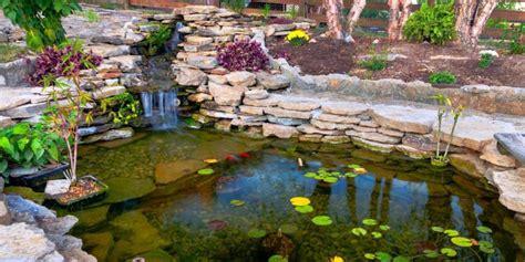 costruire un laghetto in giardino come costruire un laghetto da giardino tecniche e materiali