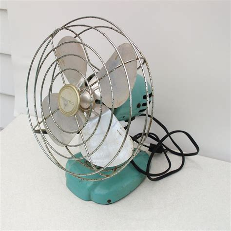 old fashioned electric fan vintage tabletop electric fan small vintage electric fan