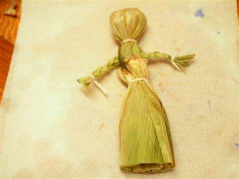 corn husk dolls directions make a corn husk doll pink stripey socks