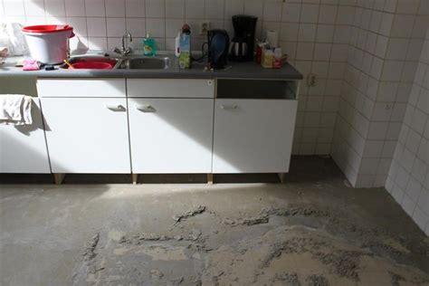 Lijmresten Verwijderen Vloer by Verwijderen Lijmresten Egaline Oude Vloer Werkspot
