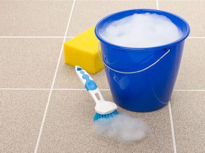 Balkonfliesen Reinigen Hausmittel ᐅ balkonfliesen reinigen weg mit dem schmutz tipps