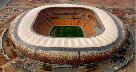 top  largest football stadiums   world