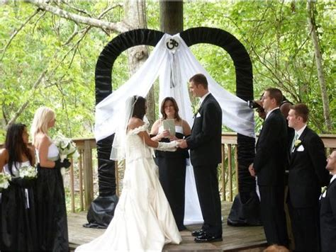 Wedding Arch Hobby Lobby by Black And White Wedding Arch Using The Metal Sweetheart