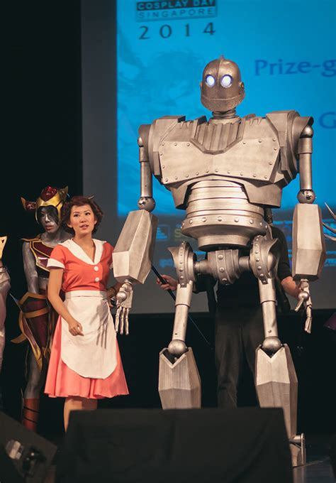 epic film costumes epic iron giant puppet cosplay mightymega