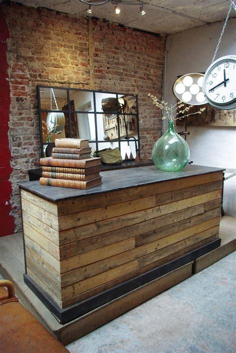 meuble comptoir caisse comptoir de commerce en bois par le marchand d oublis