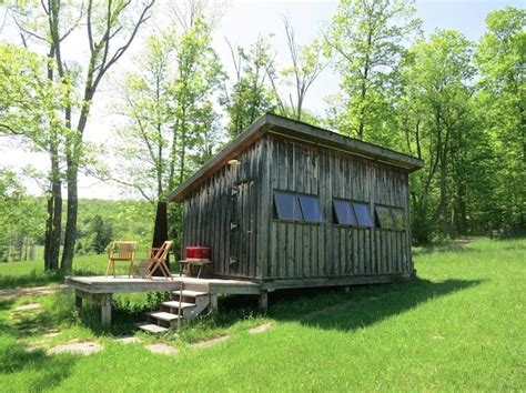 rustic simplicity for rent in upstate new york remodelista