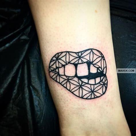 gambar tato bintang d leher 77 gambar tato di leher belakang body art tattoo studio