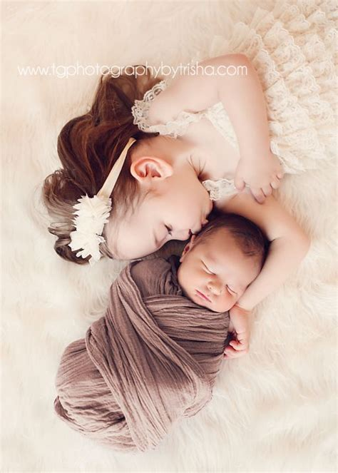 holiday sibling photography pinterest 1000 images about newborn with siblings on studios siblings and newborn