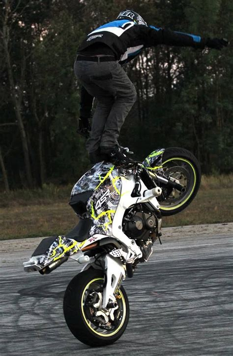 best stunt best 25 stunt bike ideas on