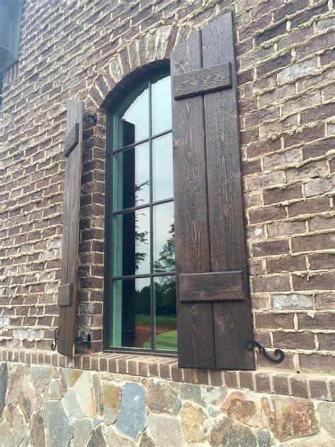 arh silveroak plan exterior  stone chocolate gray