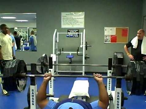 marcus dupree bench press 425 bench press no spot no drugs big brian youtube