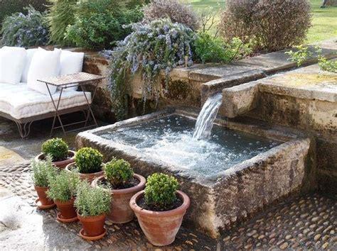 Terre Cuite Pour Bassin by Les 25 Meilleures Id 233 Es Concernant Fontaine Jardin Sur