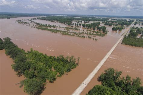 read river monday river flood update texarkana today