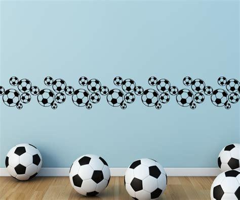 kinderzimmer borte bordure fusball selbstklebend wandtattoo selbstklebend bord 252 re fussball karo muster
