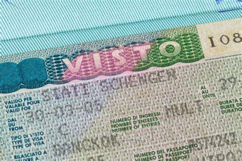 visto d ingresso in italia gli stranieri arrivati in italia col visto per turismo