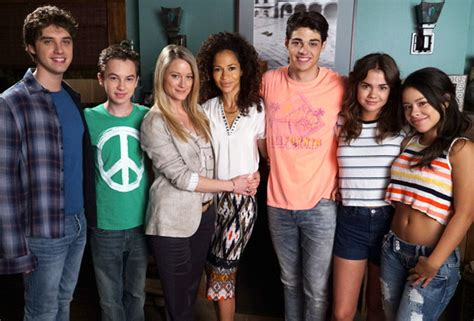 Reviews Of Empire Carpet by The Fosters Season 4 Abc Family Renews Drama Series On