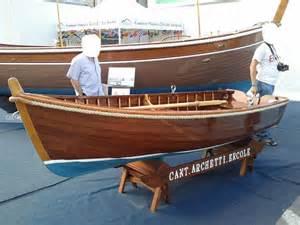 piccole in legno piccola lancia in legno a2 piccole barche