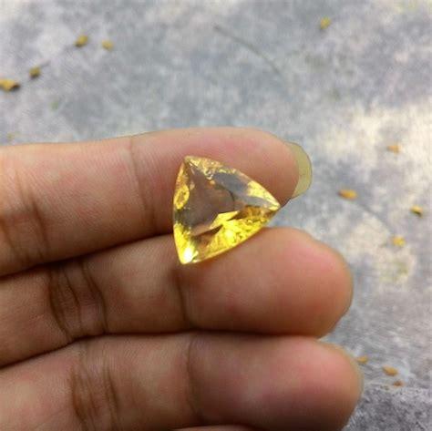 batu permata yellow citrine kode 327 wahyu mulia