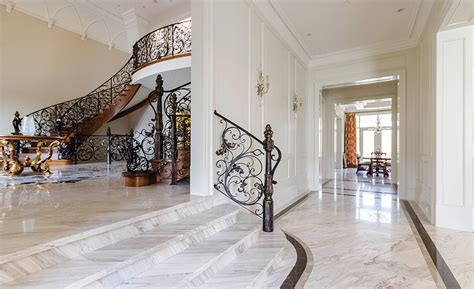 A Downtown Toronto High End Residence Uses A Wide Range Of