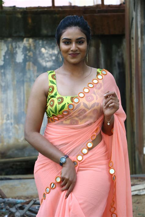 indhuja ravichandran  saree   super duper  trailer launch south indian actress