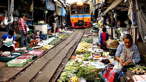 Folding Awnings Video Railway Market Maeklong Thailand Frankyremtlaaaat