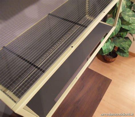 cabina armadio caratterizzata da pannelli a diverse
