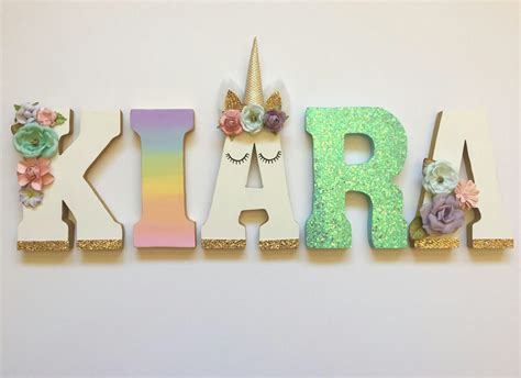 como decorar letras de madera de unicornio pin de gema en manualidades pinterest unicornios