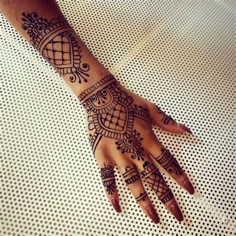 rihanna hand tattoo henna 25 best ideas about rihanna on