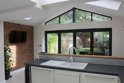Oak Framed Kitchen Extension to Listed Farmhouse, Beaconsfield Nicola Richardson Architects