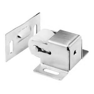 Closet Door Catch Johnson Hardware Multi Door Pull Catch Set 2 Doors 2054plbg The Home Depot