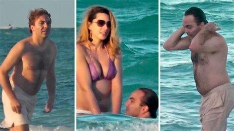 Chika Sabrina Lg Chika Sabrina cristian castro se divierte en la playa con sus kilitos de