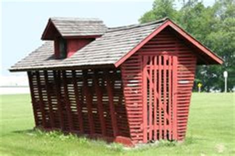 Corn Crib Plans by Corn Cribs On Cribs Buildings And Chicken