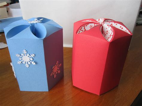 Papercraft Gifts - paperpastime petal top box glitter ornaments fit